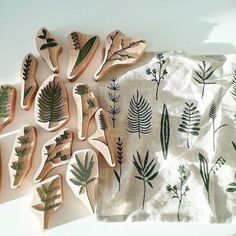 Photo shared by etsy on June 2017 tagging and Stamp Printing, Block Printing On Fabric, Block Print Fabric, Block Printing Designs, Stamp Carving, Handmade Stamps, Fabric Stamping, Linoprint, Linocut Prints
