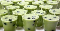 """El té verde es increíble para su salud, pero ¿cuánto sabe realmente acerca de la """"dieta del té"""", que consiste básicamente en el té verde? Dieta del té es muy popular, especialmente entre las personas que tratan de mantener un peso normal. La combinación de leche y el té verde limpia el cuerpo de toxinas y materiales de desecho."""