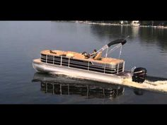 Enjoy an amazing water adventure with 2014 Royal, Pontoon Boats. These extremely elegant and high quality boats are available for sale. Pontoon Boat Party, Luxury Pontoon Boats, Fishing Pontoon Boats, Pontoon Boats For Sale, Duck Boat, Jon Boat, Pontoons For Sale, Premier Pontoon, Wooden Boats For Sale