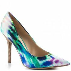 An item from  http://minipopup.com/show/amanda.marzolini Minipopup.com: #fashion #shoes #heels #accessories #colorful #pump #guess