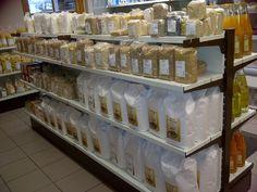 Das Mehlregal mit Mehl aus Bahlingen und Ettenheim