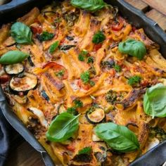 12 goda tips till middagen! Swedish Recipes, New Recipes, Mince Meat, Everyday Food, Lchf, Paella, Mozzarella, Food Inspiration, Thai Red Curry