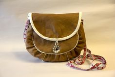 Handicraft, Saddle Bags, Purses, Band, Crafts, Inspiration, Bracelet, Design, Life