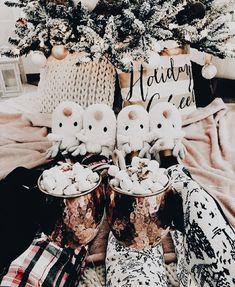 I N S T A G R A M @lolindsay --#winter #holidays #decor #christmas #christmastime #girl
