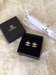 Authentic CHANEL Crystal CC Earrings Classic and beautiful, these earrings make the perfect add on to your jewelry collection or as a great gift! Priced low for a quick sale! Chanel Jewelry, Luxury Jewelry, Fashion Jewelry, Chanel Ring, Pandora Jewelry, Chanel Earrings Classic, Chanel Earrings Price, Chanel Necklace, Dress Chanel