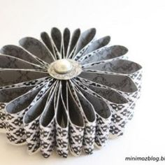 Paper Flowers {Crafts with Paper}