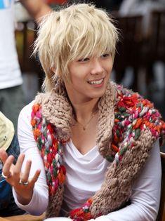 Messy haired Yaten (Lee Hong Ki)