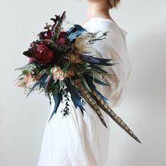 Cut Flowers, Dried Flowers, Bouquet Images, Holding Flowers, Flower Designs, Wedding Bouquets, Flower Arrangements, Magic, Bride