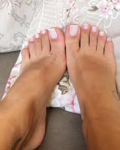 For the love of ladies feet — Bellos Pretty Toe Nails, Cute Toe Nails, Sexy Nails, Cute Toes, Sexy Toes, Pretty Toes, Pink Toe Nails, French Tip Toes, French Toe Nails