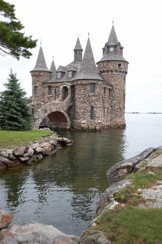Balintore Castle, Scotland (This isn't Balintore, this is the powerhouse for Boldt Castle, Alexandria Bay, NY. Boldt Castle itself is quite a bit larger. Beautiful Castles, Beautiful Buildings, Beautiful World, Beautiful Places, Wonderful Places, Real Castles, Famous Castles, Amazing Things, Amazing Places
