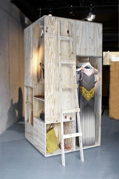 sigurd larsenimg pop up store visual merchandising vishopmag