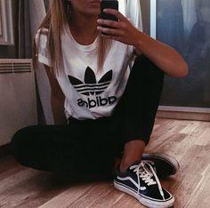 Emmawards @instagram