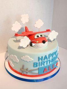 Inspired Photo of Airplane Birthday Cake - Festa super wings - Kuchen Airplane Birthday Cakes, Birthday Cake Kids Boys, Second Birthday Cakes, Baby Birthday Cakes, Airplane Cakes, Birthday Ideas, Torta Paw Patrol, Rocher Torte, Fondant