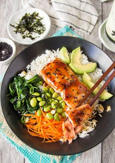 Teriyaki Salmon Bowl – with an easy homemade teriyaki sauce recipe. A quick weeknight dinner. Teriyaki Salmon Bowl – with an easy homemade teriyaki sauce recipe. A quick weeknight dinner. Tasty Meal, Healthy Meal Prep, Healthy Dinner Recipes, Healthy Snacks, Healthy Eating, Cooking Recipes, Quick Recipes, Yummy Healthy Food, Healthy Food Quotes