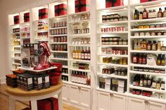 Store Opening: Williams-Sonoma | Urban ExpressionsUrban Expressions