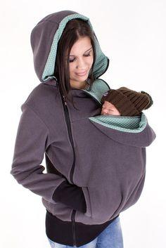 sudadera mama Baby Wearing, Hooded Jacket, Vest Jacket, Baby Carrying, Hot Moms Club, Windbreaker, Rain Jacket, Baby Hacks, Things To Do
