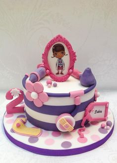 Doc McStuffin themed birthday cake - Cake by Samantha's Cake Design - CakesDecor Doc Mcstuffins Cake, Doc Mcstuffins Birthday Party, Themed Birthday Cakes, Themed Cakes, 3rd Birthday, Birthday Ideas, Cupcakes Decorados, Disney Cakes, Oui Oui