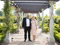 #wedding #motherofthebride #fatherofthebride #bellinghamcastle #blush #black #white #green #juliecumminsphotography  #clairebaker