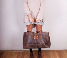 {Fancy Franny Leather Bag} fab for travel! My Bags, Purses And Bags, Sac Week End, Leather Purses, Leather Bags, Green Leather, Tote Bag, Beautiful Bags, Leather Working