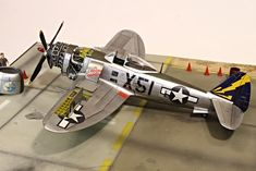 Back USA #74 WWII Aircraft Collection 1//72 Republic P-47D Thunderbolt Razor