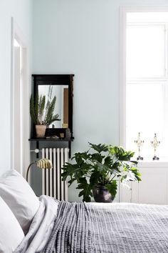 40 Minimalist Bedroom Ideas | Powdered Blue