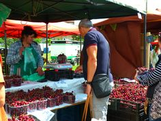 Everything in absolutely cherry condition at Kulaťák. Stuff To Do, Things To Do, Good Things, Support Local, Farmers Market, Prague, Agriculture, Saving Money, Conditioner