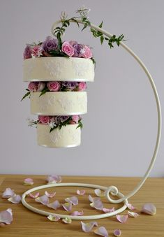 Our Vintage Hanging Wedding Cake, from Forever-Cakes