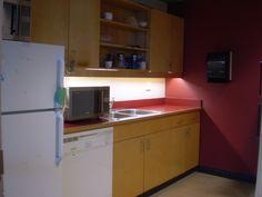 ELIキャンパス内に設置された生徒専用のキッチンエリアです。ELIの詳しい情報はこちらから☆http://www.vc-ryugaku.com/school/lang/s32.html