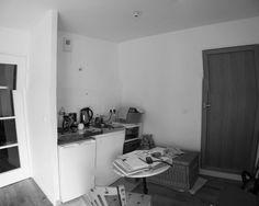 Wir möchten euch heute die Geschichte von Karine vorstellen, die eine kleine Einraumwohnung mit einer Größe von 24 Quadratmetern gekauft und ihr Zuhause verwandelt hat. In diese kleine Wohnung passt nach der Renovierung ein modernes Wohnzimmer, eine Küche mit allem, was man braucht und ein gemütliches Schlafzimmer.