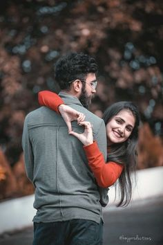 Cute Couple Poses, Couple Picture Poses, Couple Photoshoot Poses, Photo Couple, Couple Posing, Wedding Photoshoot, Wedding Shoot, Romantic Couple Photos, Cute Couple Images