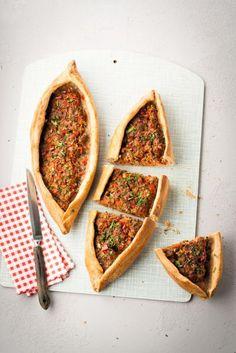 Pide mit Hackfleisch - Rezept - Pide mit Hackfleisch – Rezept – [SIMPLY HOMEMADE] Estás en el lugar correcto para recette de so - Vegetable Soup Healthy, Vegetable Drinks, Vegetable Recipes, Turkey Meat Recipes, Soup Recipes, Healthy Recipes, Turkish Recipes, Ethnic Recipes, Minced Meat Recipe
