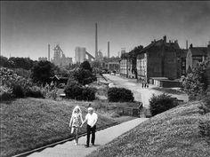 Sonntagsspaziergang: 1970 von Jürgen Hebestreit in Duisburg Laar fotografiert