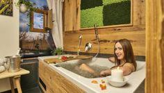 outdoor Chalet Suite im Bayerischen Wald - Mit Sauna, Whirlpool uvm. Ski Chalet, Jacuzzi, Sauna, Corner Bathtub, Outdoor Decor, Home Decor, Drinks, Times, Bathroom