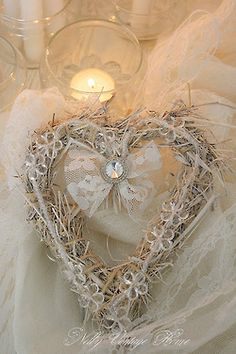 country crystal-in-heart wreath I Love Heart, With All My Heart, My Funny Valentine, Valentines, Valentine Crafts, Shabby Vintage, Shabby Chic, Vintage Heart, Vintage Style