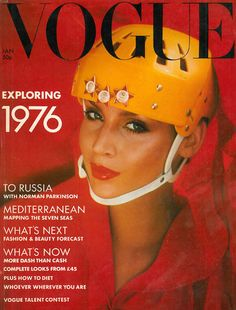 Vogue UK May, July and November by Norman Parkinson. Vogue UK by Norman Parkinson. Vogue UK July by Barry Lategan. Vogue Italia December by Peter Lindbergh. Vogue Paris September by Albert Watson. Vogue Magazine Covers, Fashion Magazine Cover, Fashion Cover, Next Fashion, 70s Fashion, Fashion History, London Fashion, High Fashion, Vintage Fashion