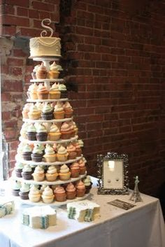 You could have so many flavors to keep all your guests happy! Fresh Strawberry Cake, Strawberry Buttercream, Vanilla Buttercream, Vanilla Cake, All You Need Is, Just In Case, Wedding Cakes With Cupcakes, Cupcake Cakes, Cupcake Tree