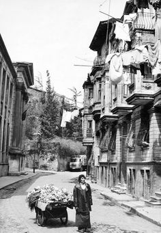 ✿ ❤ Bir zamanlar İSTANBUL, ve bir sokak satıcısı...