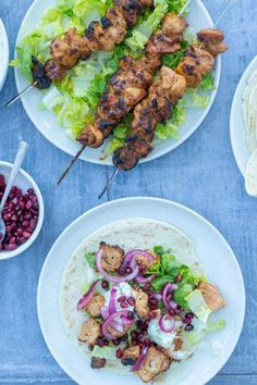 Chicken Shish Kebabs Shish Kebab, Kebabs, Grilled Salmon Salad, Dinners Under 500 Calories, Metabolism Foods, Power Salad, Cooking Recipes, Healthy Recipes, Healthy Fats
