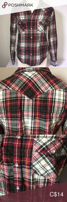 Plaid Flannel Button Down Size M Button Downs, Button Down Shirt, Plus Fashion, Fashion Tips, Fashion Trends, Plaid Flannel, Sirens, Red Green, Lady In Red