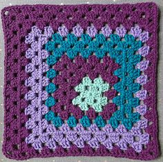 Free crochet pattern: Shake It Up, Granny! Square - 12""