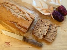 Perníkový chlebík z ražnej múky - Sisters Bakery Banana Bread, Bakery, Sisters, Desserts, Food, Tailgate Desserts, Deserts, Essen, Postres