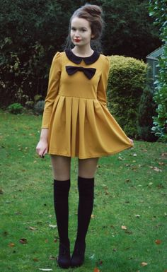 Contrast Bowknot Embellished Pleated Long Sleeve Dress