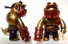 Steampunk Hellboy Qee Figure - Nerd Reactor