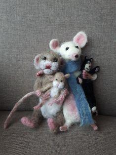 Needle felt family, mouse/rat by Anita.