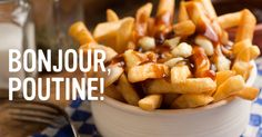 Learning how to make weed poutine was a game-changer. Poutine is one of my favourite foods so if you're anything like me, you're going to love this recipe! Sauce Poutine, Canadian Dishes, Canadian Food, Canadian Maple, Fish And Chips, Comida Tipica Do Canada, Carne Defumada, Corned Beef Sandwich, Gastronomia