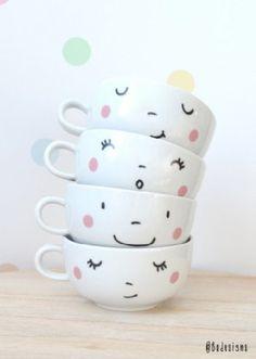 4 tasses de visages heureux imprimés à la main par BodesignsSHOP