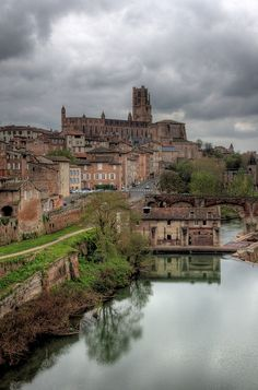 Albi old town reflections