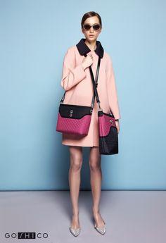 http://goshico.com/en/medium-cross-body-quilted-bag-flowerbag-black-pink-material.html PRICE: 91.50 €