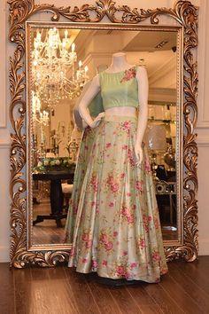 Threads and Motifs Available to order from www.zardozishop.co.uk #salwarkameez #weddings #shalwarkameez #green #asianweddings #pakistaniweddings