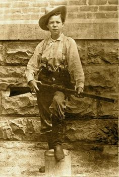Pearl Hart - first female stage coach robber.